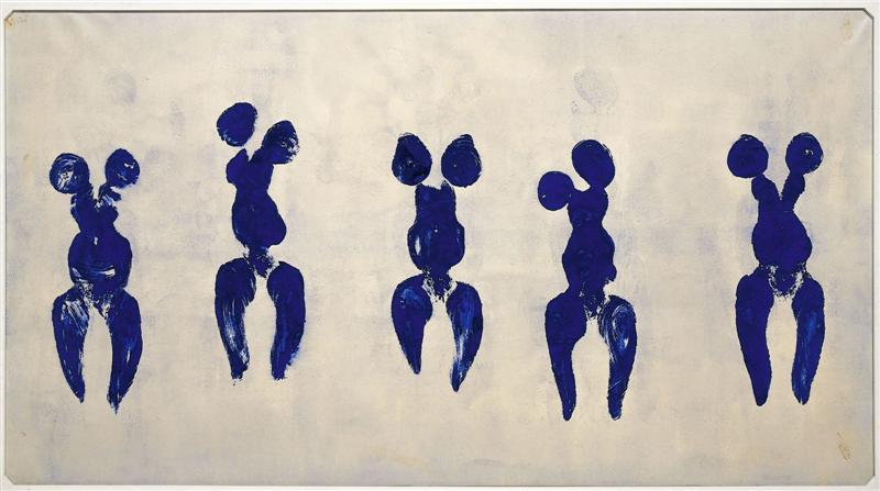 Yves Klein (1928 - 1962) ANT 82, Anthropométrie de l'époque bleue, 1960 Pigment pur et résine synthétique sur papier marouflé sur toile, 156,5 x 282,5 cm Centre Georges Pompidou Photographies des performances réalisées en public.